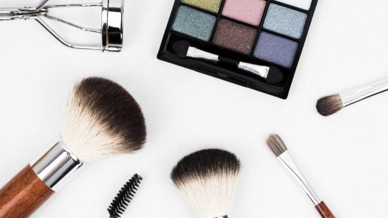 Jak dbać o pędzle do makijażu