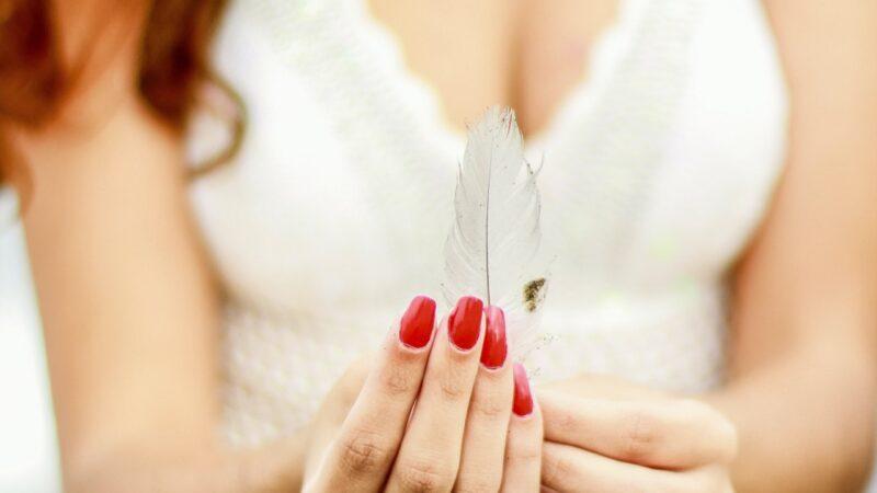 Regenerujemy paznokcie po manicure hybrydowym