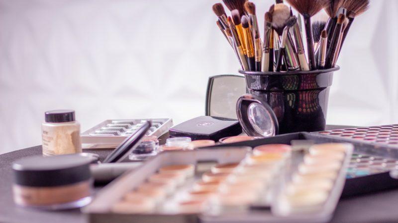 Bazy, primery i fixery, czyli makijażowy ekwipunek dla bardziej zaawansowanych