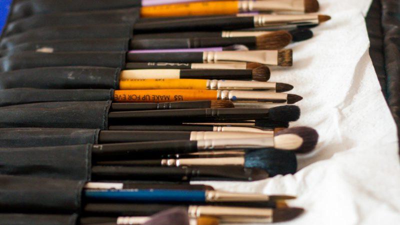 Jak dbać o gąbki do makijażu? Czyszczenie, suszenie i przechowywanie