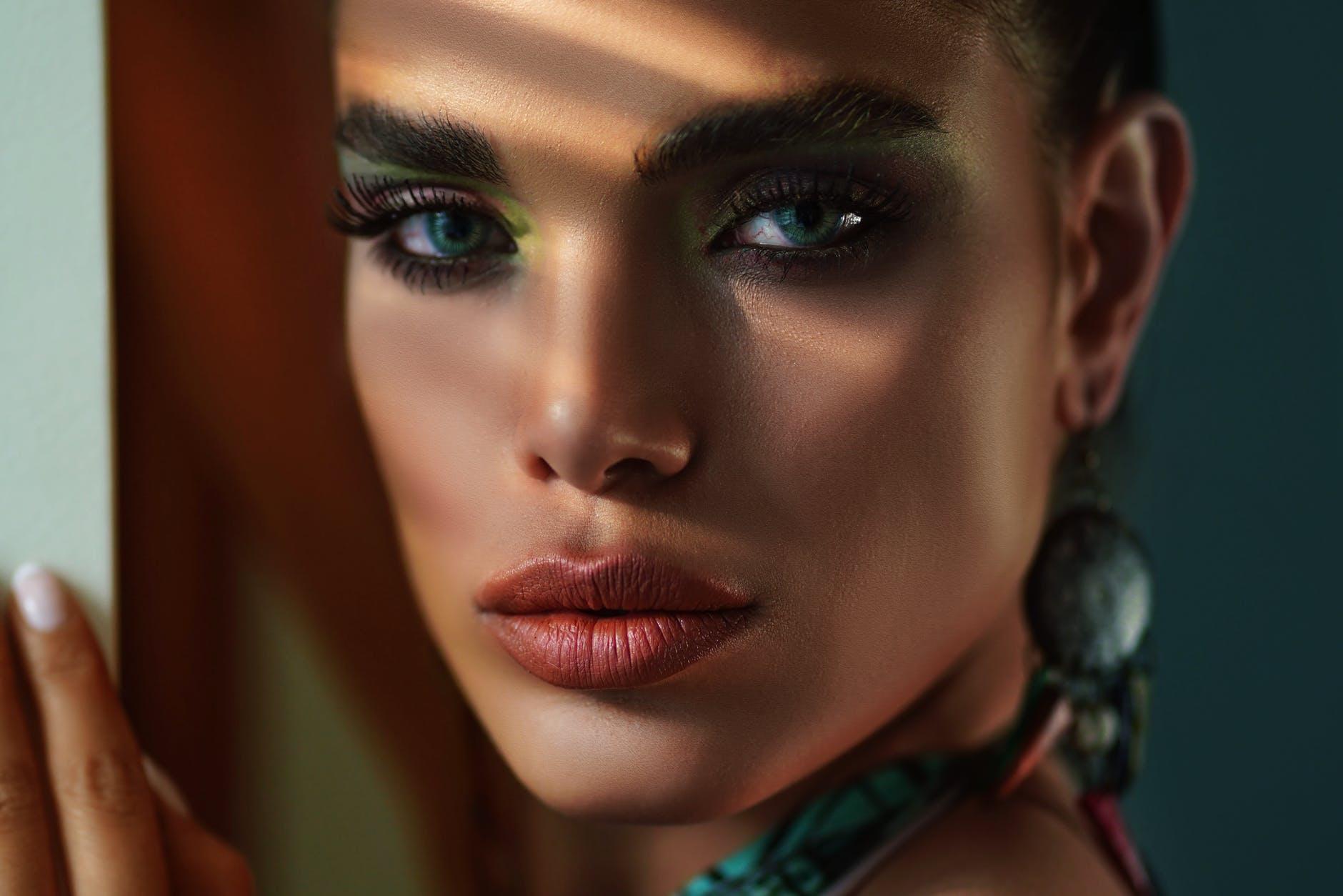 Jak tchnąć piękno w kobiece oko?